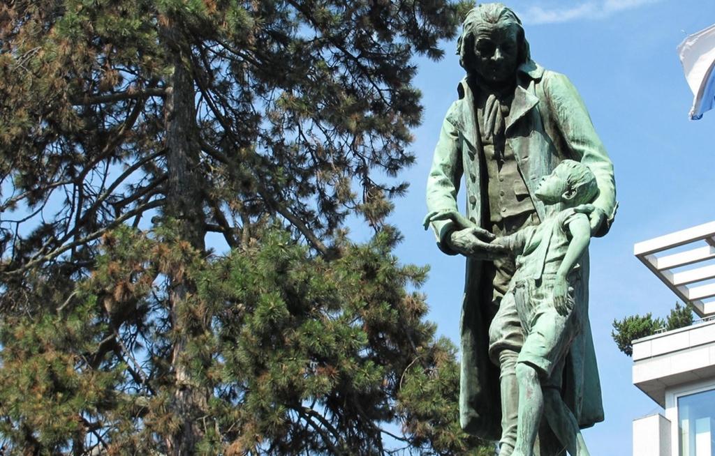 Pestalozzi statue Peter Macinnis