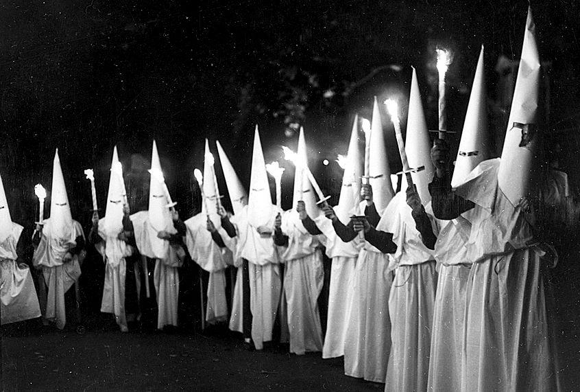KKK – ódio, medo e falta de amor